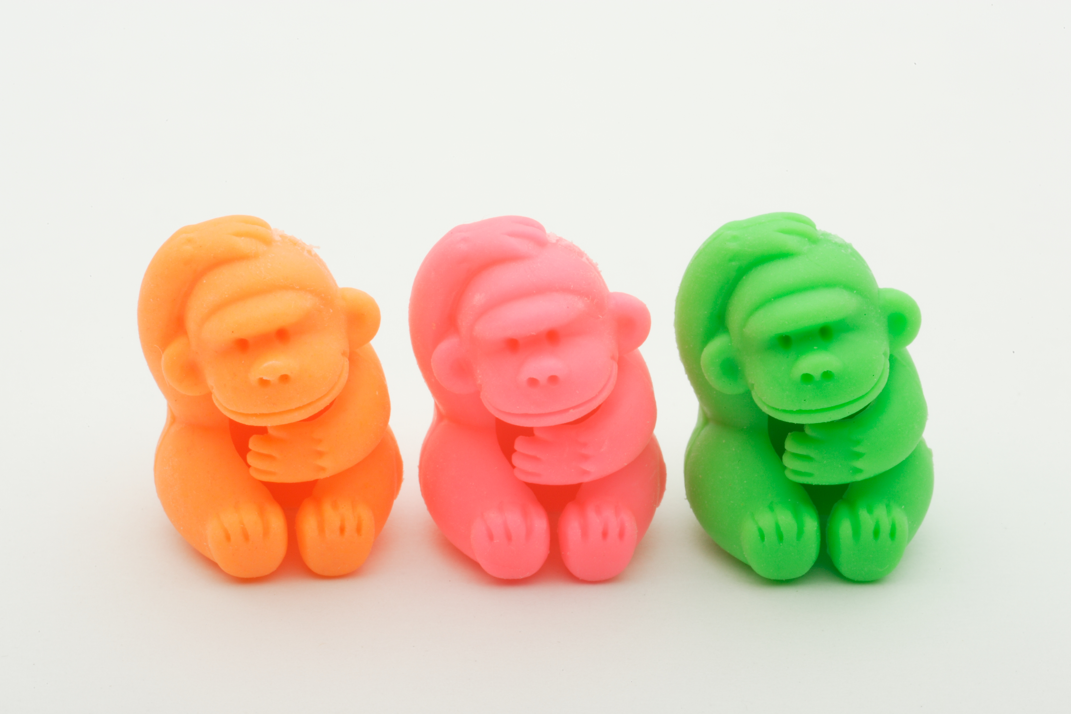 242 3 Pcs of Top Erasers Gorilla